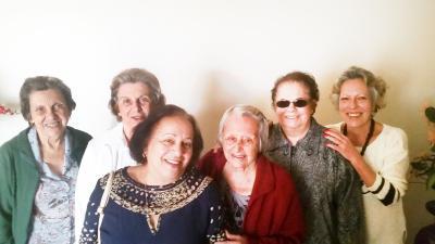 A queridíssima Dona Ruth Lopes ladeada das amigas, Dirce, Ana Lúcia, Graça, Suzana e Betinha