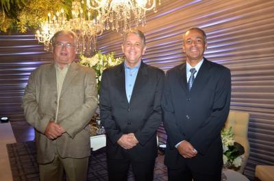 Os diretores da UNIMED Itaúna, Dr. Augusto Machado,  Dr. Geraldo Eustáquio e Dr. Vinícius Guimarães