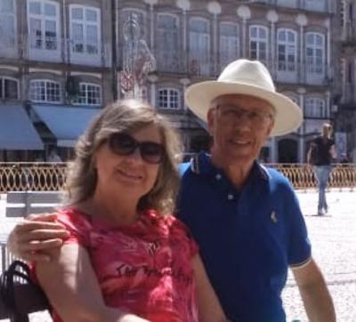 Fernando Lopes e Cláudia, desfrutando a beleza e o encanto da cidade de Guimarães, em Portugal