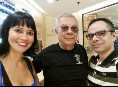 Dr. Ronaldo Brêtas e Dra. Suzana Bretas ao lado de Max Emiliano Sena
