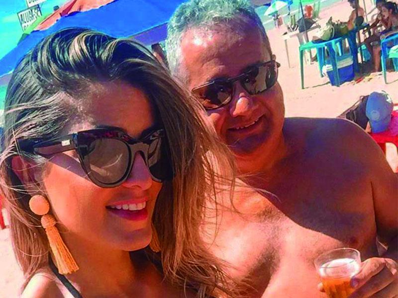 Dr. Jason Vidal e a filha lindíssima, Thalita Vidal,  curtindo um merecido descanso na praia de Castelhanos