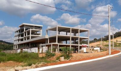 Com a obra estrutural concluída, o projeto passou por adequações e só agora as obras de acabamento vão ser licitadas