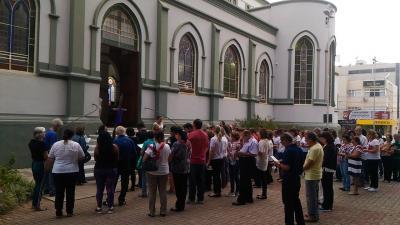 As Vias-Sacras realizadas nas Caminhadas Penitenciais passaram por diferentes pontos da cidade,  como a Rua Josias Machado no dia 5 de abril
