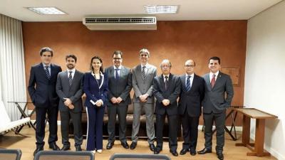 Na foto (primeiro à direita) o médico cardiologista Dr. Alessandro Bao Travizani, membro da Sociedade Brasileira de Cardiologia