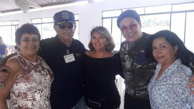 Jornalista Beatriz Chaves, Jorge Vasconcelos, Regina Saldanha  e Gislene na festa Boi no Rolete do Rotary Itaúna