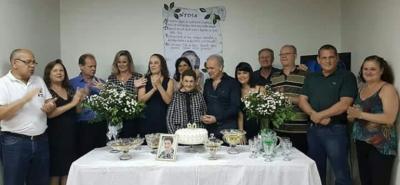 Os 90 anos de vida da Dona Nídia Braz Matos, no último dia 24. Na foto, Dona Nídia com os filhos: Ângelo, Maria do Carmo, Rogério, Gláucia, Regina, Rosa, F&aac