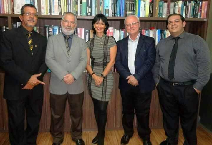 Dr. Carlos de Brito, Dr. Arnaldo, Dra. Suzana, Dr. Heli Maia e Dr Mozart.  OAB de Itaúna sempre se destacando