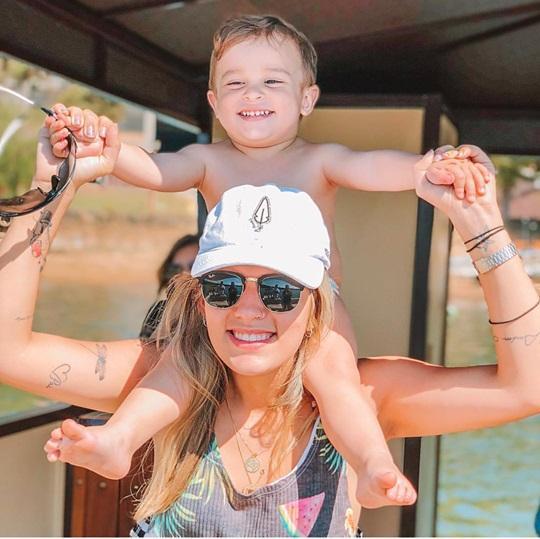 Gaby Seabra e seu príncipe Enzo. Lindos!!! Amo!!!