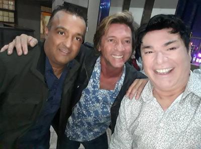 Élbio, que mora em Nova Iorque, visitando amigos em Itacity,  e o renomado bailarino Juliano Machado
